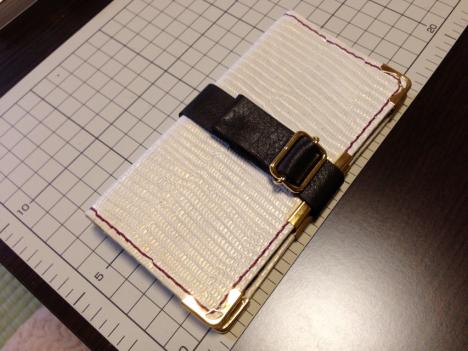 パチュリーのグリモワール風iPhoneケース